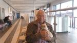 Nypappan min og jeg på på vei hjem fra Karmøy Lufthavn